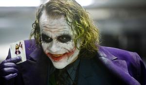 pic_giant_082814_SM_Batman-Joker_0